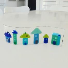 Huse i mini-frise. Blå, turkis og grønne huse