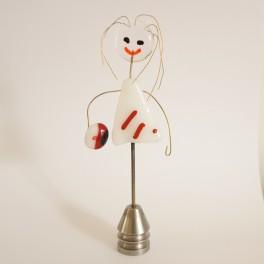 71002. Student. 13 cm. Hvid kjole med røde bånd