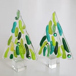 816. Træ, 8 cm, klart glas med grønt samt  kugler i smykkeglas.