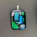 90320. Halssmykke. 29x22 mm. Grøn, blå og sølv